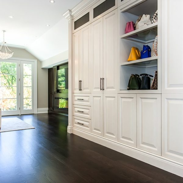 Ample-White-Wooden-Closets