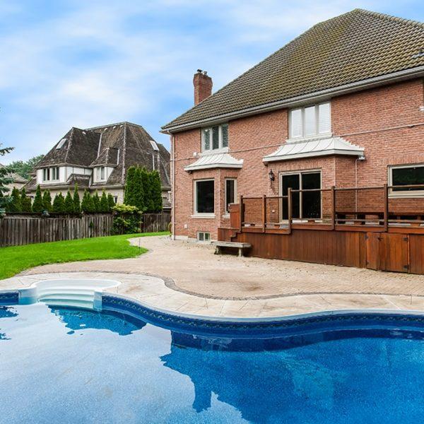 Backyard-With-Large-Pool