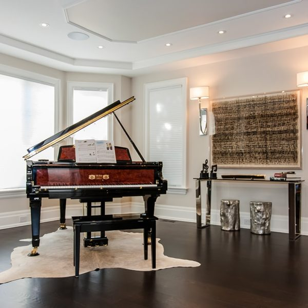 Elegant-Piano-Room-Mississauga