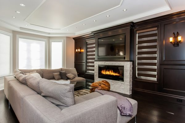 Family-Room-With-Wooden-Wall-Panelling