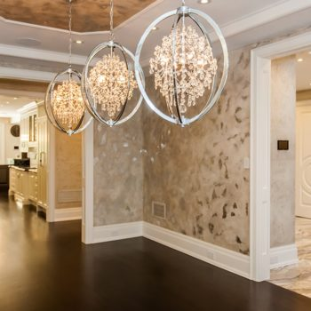 Formal-Dinning-Room-With-Elegant-Wall-Paper-With-Silver-Inlays