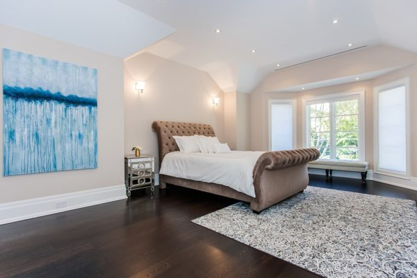 Guest-Bedroom-With-Ample-Windows