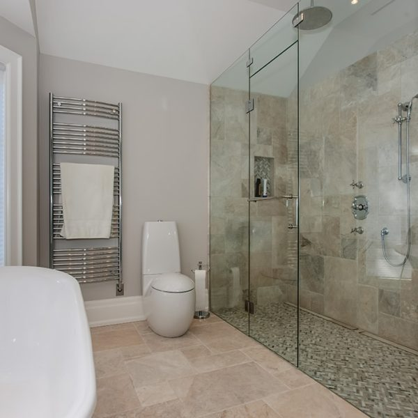 Huge-Shower-Gest-Bathroom