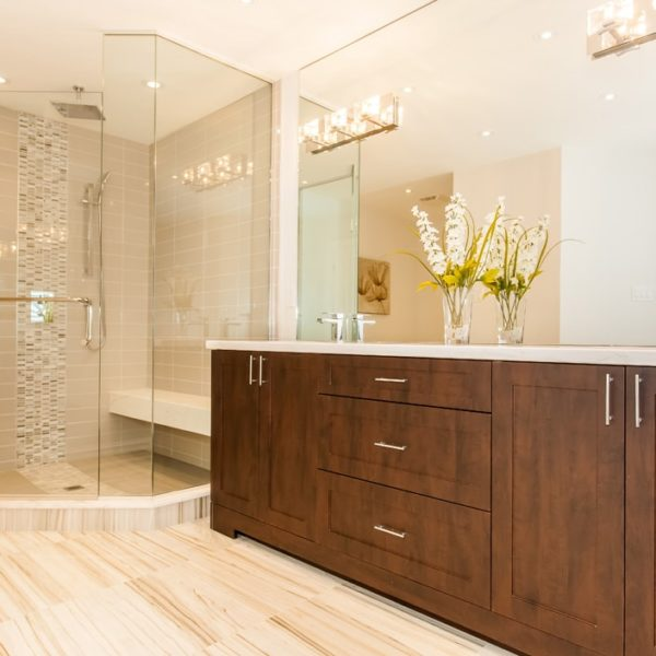 Master-Bathroom-Whith-Large-Shower
