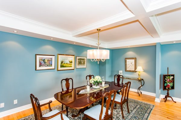 Traditional-Style-Dinning-Room