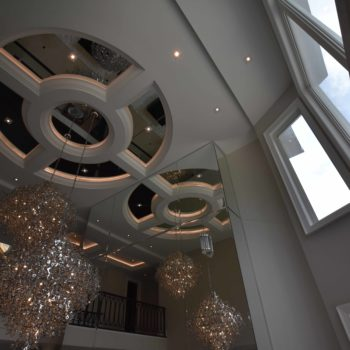 Home ceiling renovation (corner view) - Custom homes and Complete renovation by Maki Construction in Mississauga