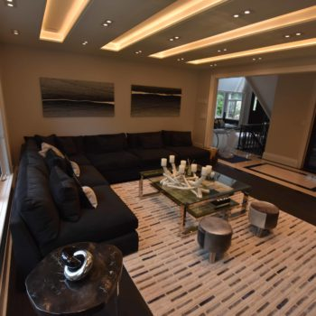 Living room - Custom homes and Complete renovation by Maki Construction in Mississauga